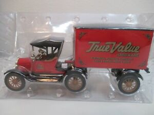 Ertl 1918 Ford Tractor Trailer 1/25 Diecast True Value Hardware Bank Collectible