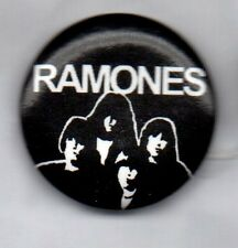 RAMONES PUNK BUTTON BADGE > AMERICAN  PUNK ROCK BAND - ROAD TO RUIN