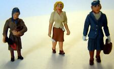 3 1950 Women standing shopping OF18 UNPAINTED O Scale Langley Models Kit Figures
