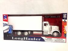 "Peterbilt 379,13"" White Box Truck 1:32 Scale Diecast Collectible By New Ray Toys"