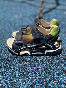 Kids Shoes Soft leather sandals, US11, orthopedic Arch Support BEST SELLING