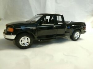 Ford F-150 Flareside Supercab Pickup Truck - Welly - 1/24 Scale Diecast