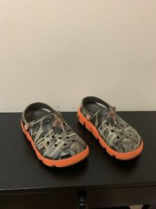 Crocs duet sport clog camo orange lined shoes waterproof boys 3 advantage max 4