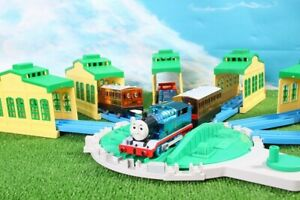 "Thomas & Friends Tomy Metallic Plarail Big Turntable Engine Shed Toys""R""Us Japan"
