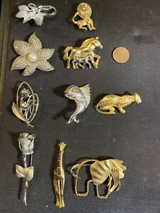 Lot Of Retro Costume Brooches and Pins