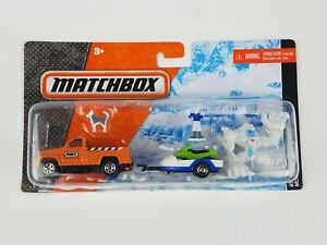 2011 Matchbox Die Cast Hitch & Haul Snow Attack set