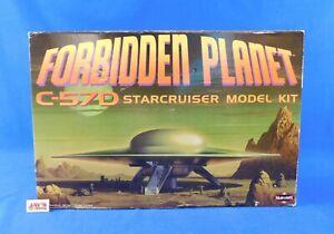 Forbidden Planet C-57D Starcruise 1/72 Scale Model Kit 2001 Polar Lights in Box