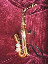 VINTAGE BUESCHER ARISTOCRAT U.S.A SAXOPHONE WITH A LABLANC STRAP AND MORE