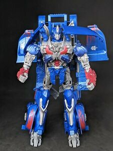 Transformers The Last Knight Premier Edition Leader Class Optimus Prime Figure