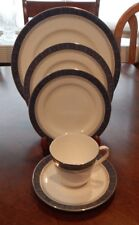 "ROYAL DOULTON ""SHERBROOKE"" 5 PIECE PLACE SETTING (S) MADE IN ENGLAND H.5009"