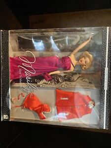 """2001 BARBIE DOLL MARILYN MONROE """"HOW TO MARRY A MILLIONAIRE"""" COLLECTORS EDITION"""
