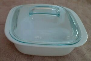 CorningWare Simply Lite solid white 1.5 qt square casserole dish with lid