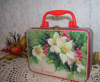 Small Victorian Hollyberry Christmas Metal Lunchbox