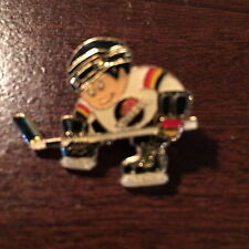 VANCOUVER CANUCKS LIL BRAT SKATER HOCKEY PIN