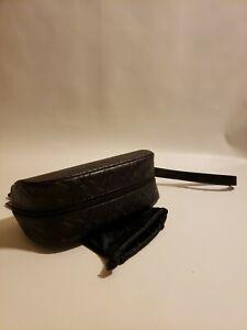Black Semi Soft Shell Zippered Oakley Sunglass Eyeglass Case Wrist Strap Zip