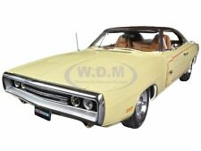 1970 DODGE CHARGER RT/SE CREAM DODGE 100TH ANNIVERSARY 1/18 AUTOWORLD AMM1036