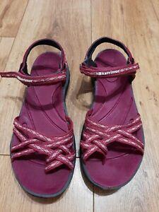 Ladies Karrimor Sandles Size 7 Burgundy