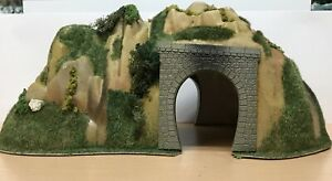 """Vintage Busch OO/HO scenic tunnel15"""" x 10"""" x 6.5""""Height with biker BOXED Cat 685"""