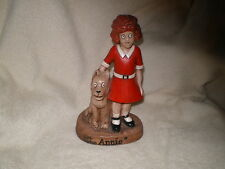 Little Orphan Annie Pottery Figurine,Vintage 1975 New York News