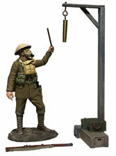 "BRITAINS 23115 - ""Gas Alarm"" British Soldier with Gas Mask, Sounding Alarm WW1"