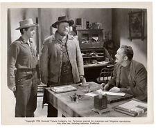 AUDIE MURPHY & BURL IVES sheriff Roy Roberts 1950 western SIERRA Vintage Photo
