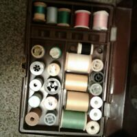 Vtg Small Brown Plastic Sewing Box 1 Tray Thread Notions