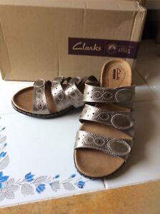 Clarks New! Pewter Leisa Cacti Leather Triple Strap Slides 10W