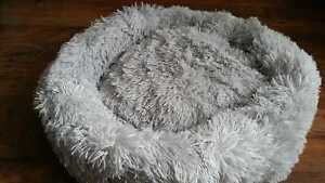 70cm NEW Large Donut Plush Pet Dog Cat Bed Fluffy Soft Warm Calming Bed Li grey