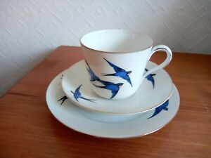 VINTAGE TRIO. CUP, SAUCER & PLATE. BIRDS, SWALLOWS? FINE CZECH CHINA.