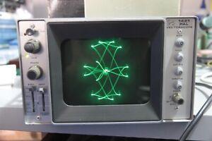 "Tektronix 1421 pal, vectorscope, PAL. Make your own ""Oscilloclock"""