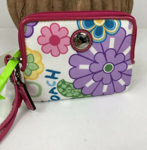 New Coach Wallet Daisy Flower Floral  Nylon ZIP 43761 Small White Pink Zip W11