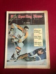 "1971, Phil Esposito, ""The Sporting News"" (No Label) Scarce / Vintage"