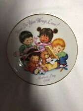"Avon Plate ""How Do You Wrap Love"" 1992 Mothers Day Plates Great Gift Idea A901"