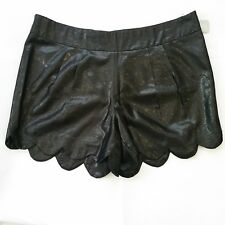 Forever 21 Womens Shorts Plus Size 2X Black Shinny Scallop Hem Side Zipper Lined