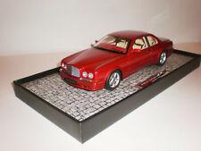 1/18 1996 Bentley Continental  red metallic  Minichamps