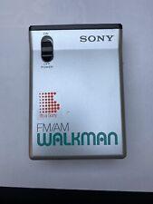 SONY WALKMAN FM/AM SRF-22W  Radio Vintage W/ Headphones MDR-10