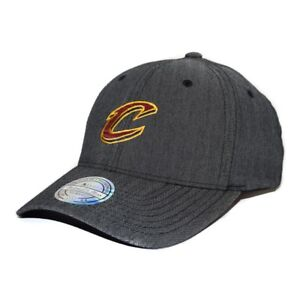 Mitchell & Ness Snapback 110 Curved Poly Heringbone Cleveland Cavaliers / charco