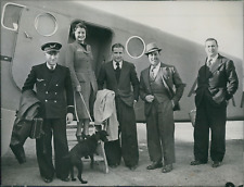 La chanteuse Rina Ketty sortant d'un avion à Tunis, 1939, vintage silver pr
