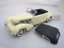 1937 Cord 812 Cabriolet in hellgelb mit schwarzem Soft -Top,1:24, Franklin Mint