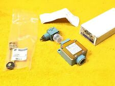 **NEW** TELEMECANIQUE XCKL10041 LIMIT SWITCH ZCK-G00 OPERATOR HEAD ZCK Y41 LEVER