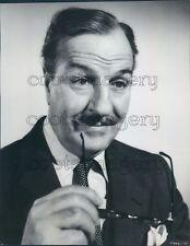 Actor Louis Calhern Holding Glasses Blackboard Jungle Press Photo