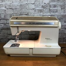 Singer Futura Model 900 Sewing Machine vintage pre-owned 1974 - Working