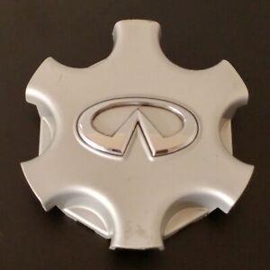 2001 2002 2003 Infiniti QX4 OEM Silver Center Cap Part Number 403423w700