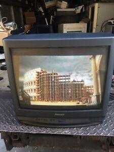 "Panasonic CT-20R13U 20"" CRT TV Retro Gaming Television 1996 Model Year"