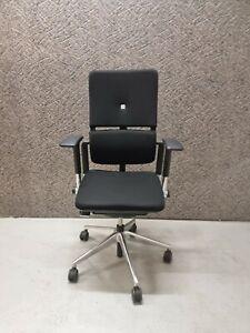 Steelcase Please V2 Schwarz mit Chrom Gestell und 3D Armlehnen-Bürodrehstuhl