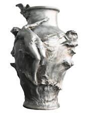 Vase en étain de style Art nouveau  par Pedro Rigual