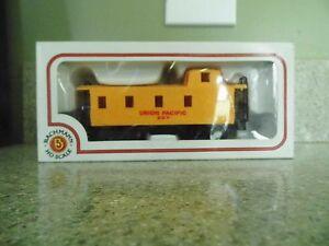 Bachmann HO Scale Union Pacific 207  w/Box