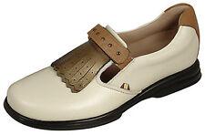 Sandbaggers Golf Shoes: Royal Kilt Cream