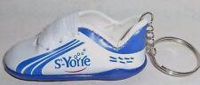 VICHY St-YORRE EAU Porte-clé chaussure football rugby neuf