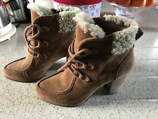Genuino Botas Ugg Para Damas/Niñas Size UK 3.5 EU 36